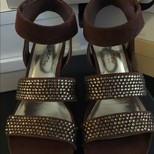 Kenneth Cole Reaction Brown & Gold Wedges